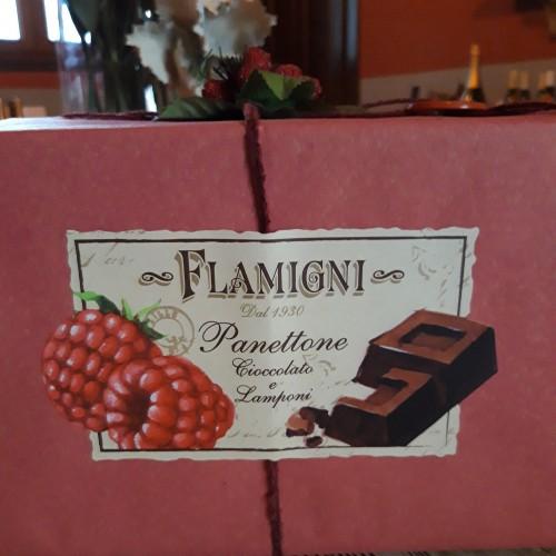 Flamigni Panettone con lamponi e cioccolato